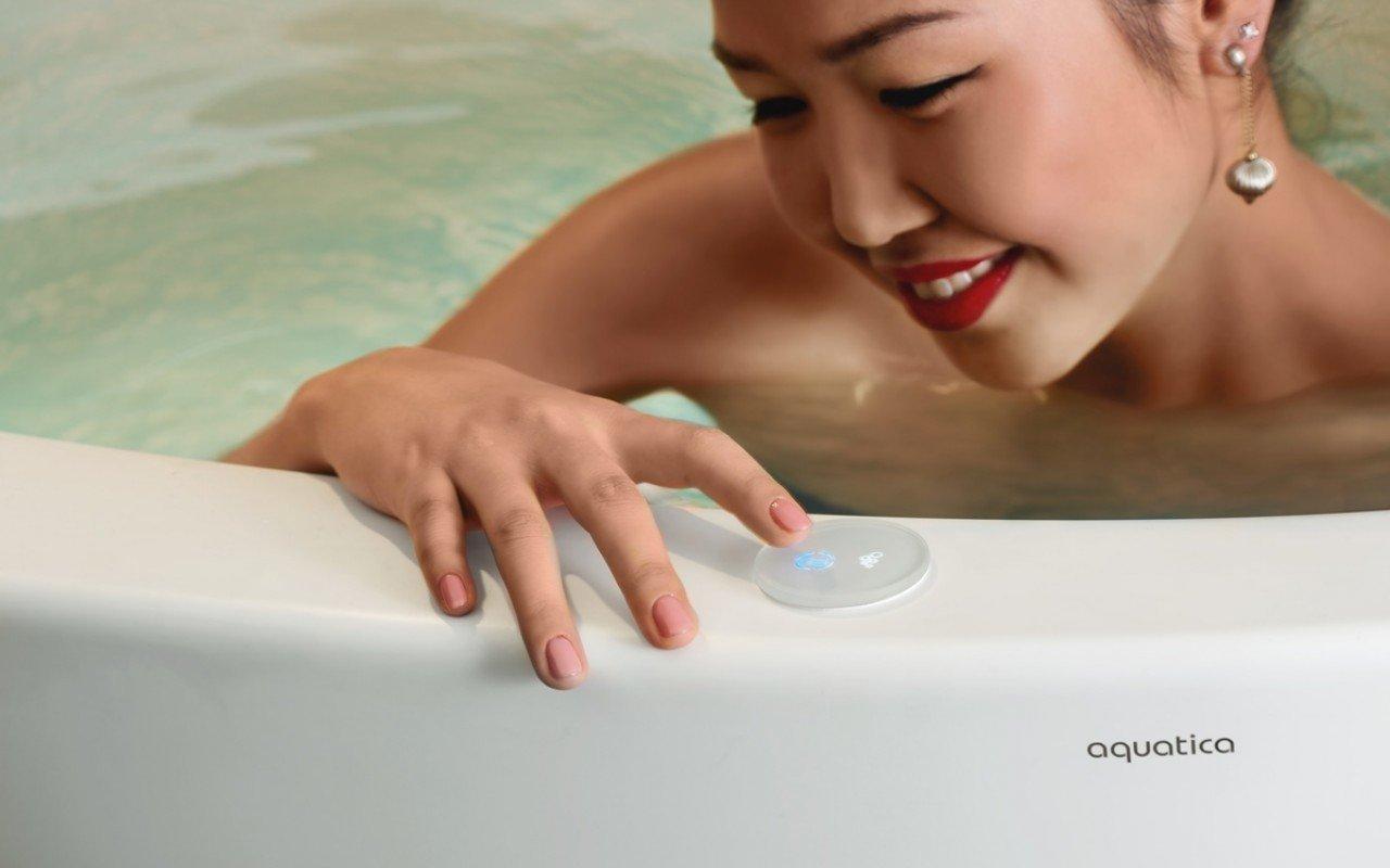 Aquatica true ofuro tranquility freestanding solid surface bathtub web 06[1]